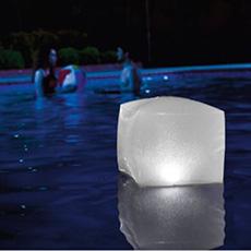 Cube LED Lumineuse Flottante Gonflable Pour Piscine Intex 28694