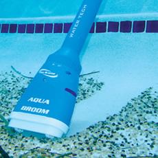 Nettoyage électrique pour les bains à remous et les petites piscines AQUABROOM